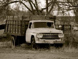 B&W old truck